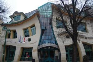 Bangunan unik terpopuler di dunia